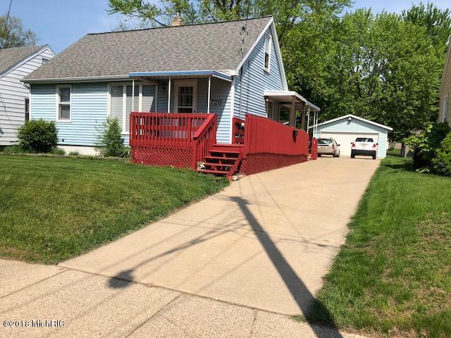 3720 Colby Avenue SW, Wyoming, MI 49509 (MLS #18021616) :: Deb Stevenson Group - Greenridge Realty