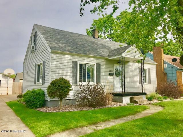 2866 West Avenue SW, Wyoming, MI 49519 (MLS #18021908) :: Deb Stevenson Group - Greenridge Realty