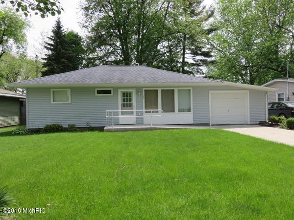 74 Coombs Avenue, Coldwater, MI 49036 (MLS #18022217) :: Deb Stevenson Group - Greenridge Realty