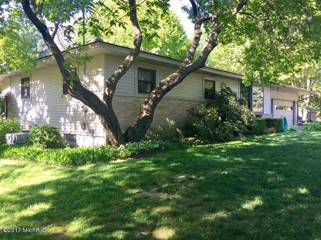 6606 Cemetery Road, Saugatuck, MI 49453 (MLS #18022680) :: Deb Stevenson Group - Greenridge Realty