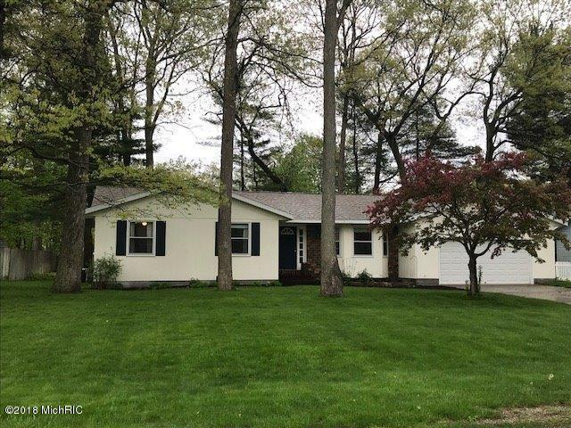 1148 Greenbriar Drive, Muskegon, MI 49445 (MLS #18022741) :: Deb Stevenson Group - Greenridge Realty