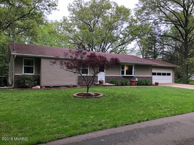 820 Carolee, Kalamazoo, MI 49008 (MLS #18022901) :: Deb Stevenson Group - Greenridge Realty