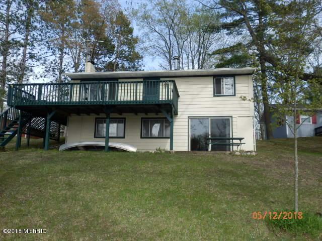 15165 Becker Drive, Mecosta, MI 49332 (MLS #18023246) :: Carlson Realtors & Development