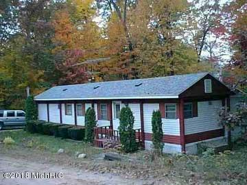 565 W Marion, White Cloud, MI 49349 (MLS #18023658) :: Deb Stevenson Group - Greenridge Realty