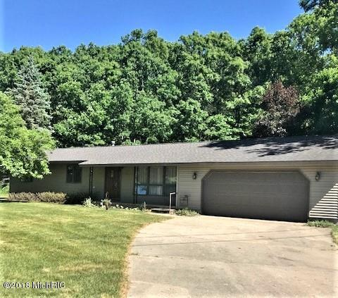 17470 Outer Drive, Big Rapids, MI 49307 (MLS #18025201) :: 42 North Realty Group
