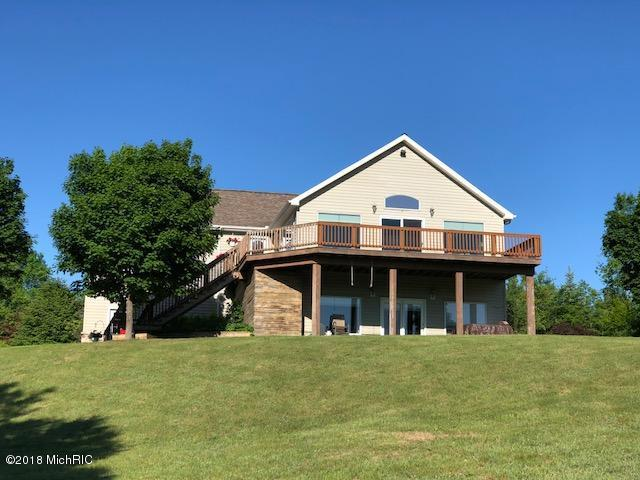 6376 E 13 Mile Road, Paris, MI 49338 (MLS #18027050) :: Carlson Realtors & Development