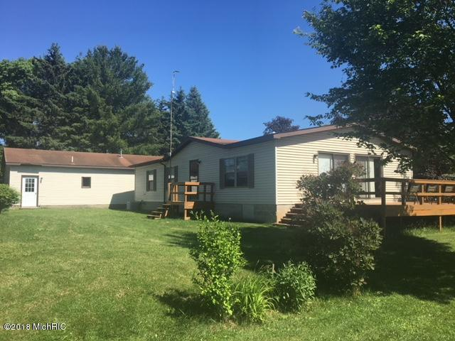 6634 2nd Street, Mecosta, MI 49332 (MLS #18027059) :: 42 North Realty Group
