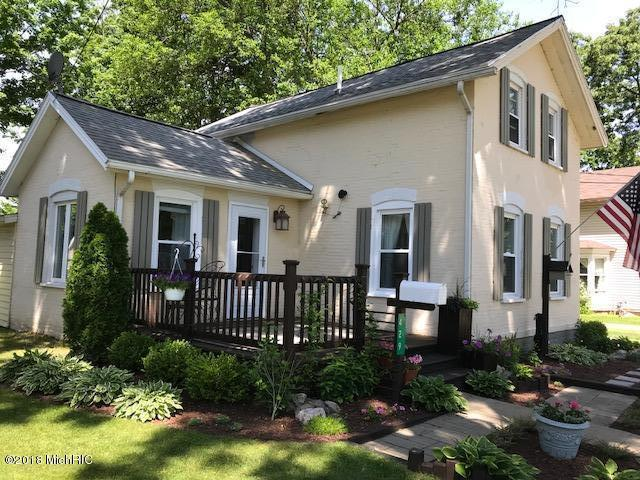 429 Evans Street, Jonesville, MI 49250 (MLS #18027511) :: 42 North Realty Group