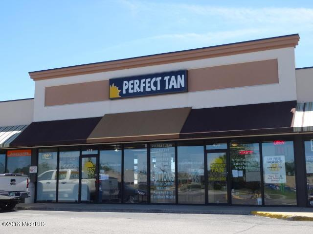 408 Oaks Crossing, Plainwell, MI 49080 (MLS #18027702) :: 42 North Realty Group