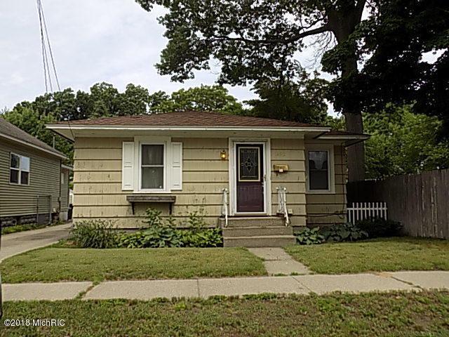 1452 Palmer Avenue, Muskegon, MI 49441 (MLS #18028812) :: 42 North Realty Group