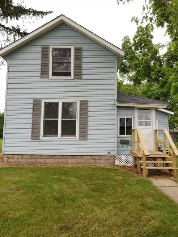 1304 Pearl St. Street, Lake Odessa, MI 48849 (MLS #18029186) :: Matt Mulder Home Selling Team