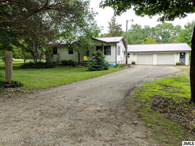 6945 Wright Road, Jonesville, MI 49250 (MLS #18029508) :: Carlson Realtors & Development