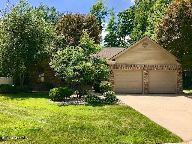 973 Thornwyk Drive NW, Grand Rapids, MI 49534 (MLS #18031276) :: 42 North Realty Group