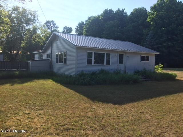 9240 S Young Road, Falmouth, MI 49632 (MLS #18031396) :: 42 North Realty Group