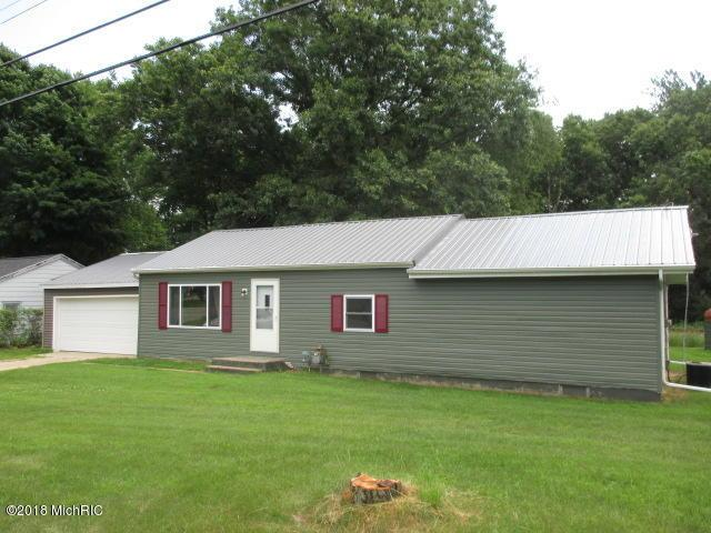 1252 106th Avenue, Plainwell, MI 49080 (MLS #18031635) :: Carlson Realtors & Development