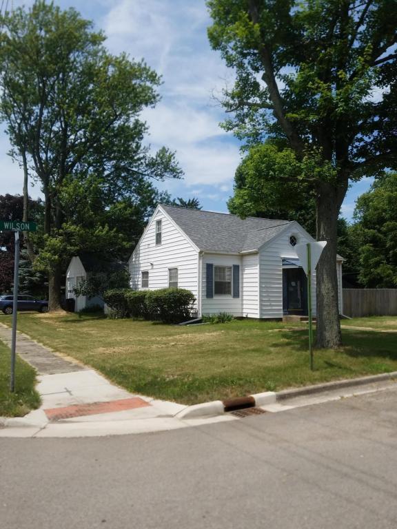 711 Wilson Avenue, Sturgis, MI 49091 (MLS #18032117) :: 42 North Realty Group