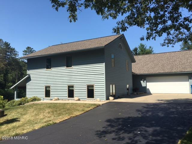 8029 W Op Avenue, Kalamazoo, MI 49009 (MLS #18033361) :: Carlson Realtors & Development