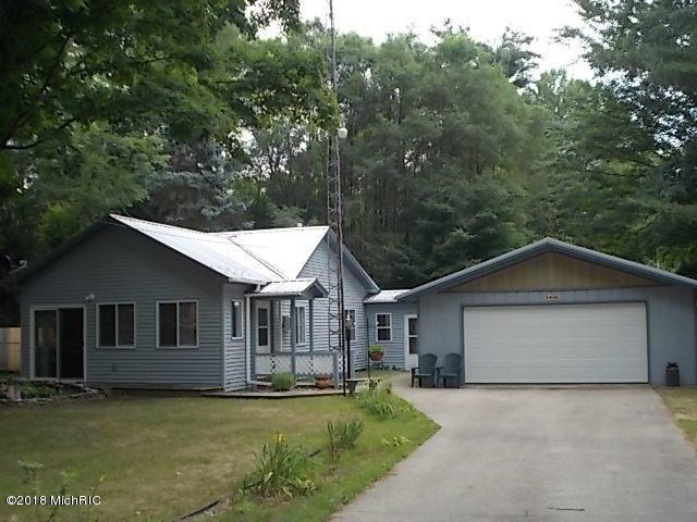 5456 Front Street, Newaygo, MI 49337 (MLS #18033565) :: Carlson Realtors & Development