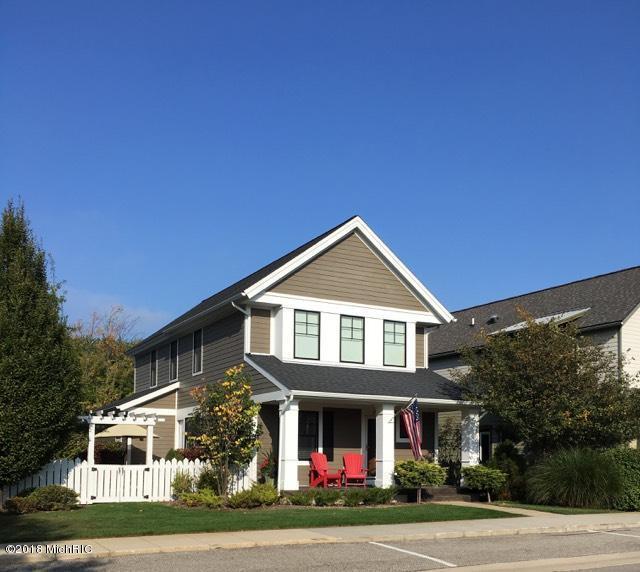 2227 New Town Drive NE, Grand Rapids, MI 49525 (MLS #18033645) :: Deb Stevenson Group - Greenridge Realty