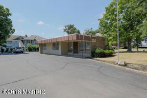 214 Capital Ave Avenue NE, Battle Creek, MI 49017 (MLS #18033822) :: Matt Mulder Home Selling Team
