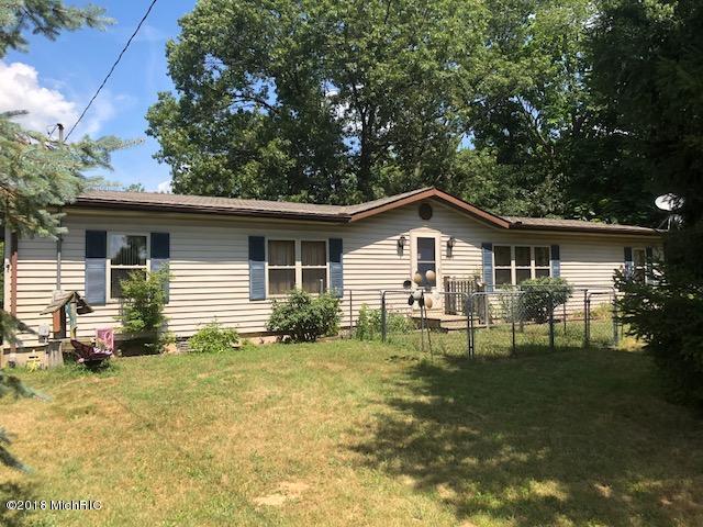 9323 S Avenue E, Vicksburg, MI 49097 (MLS #18034411) :: Carlson Realtors & Development