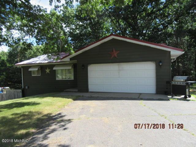 2445 S Greenville Road, Greenville, MI 48838 (MLS #18034435) :: Carlson Realtors & Development