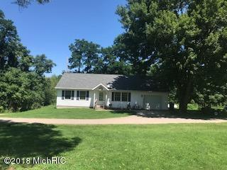 67073 56th Avenue, Hartford, MI 49057 (MLS #18036286) :: Carlson Realtors & Development