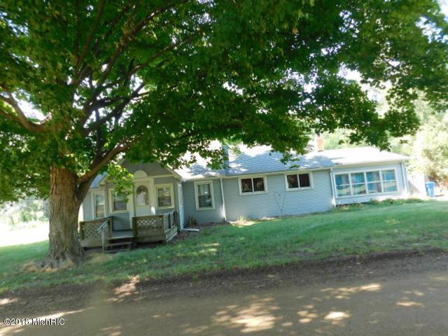 402 Fleming Road, Tekonsha, MI 49092 (MLS #18037730) :: Carlson Realtors & Development