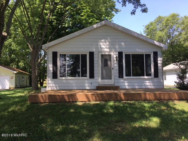 50078 W Lakeshore Drive, Dowagiac, MI 49047 (MLS #18039283) :: Carlson Realtors & Development