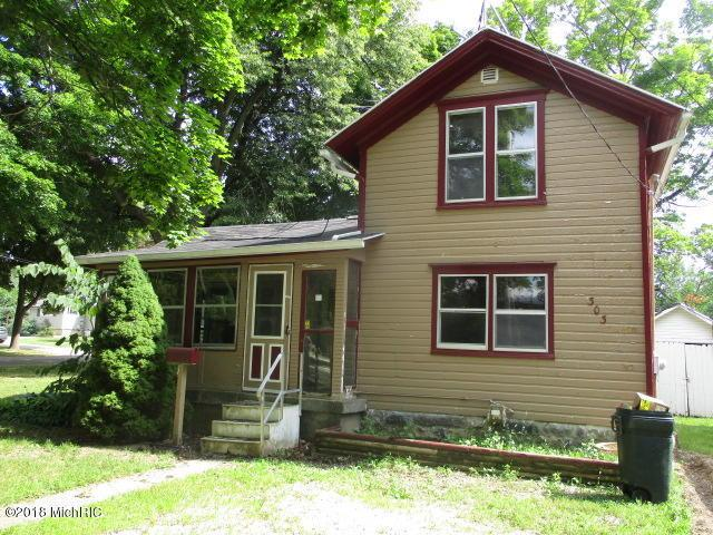 303 W Jackson Street, Bellevue, MI 49021 (MLS #18039420) :: Deb Stevenson Group - Greenridge Realty