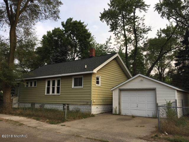 1692 Edwin Street, Muskegon, MI 49442 (MLS #18040540) :: Matt Mulder Home Selling Team