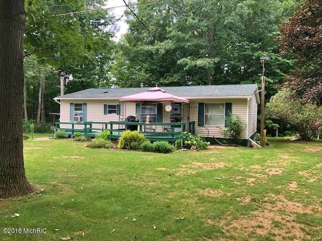 14141 90th Avenue, Mecosta, MI 49332 (MLS #18041138) :: Deb Stevenson Group - Greenridge Realty