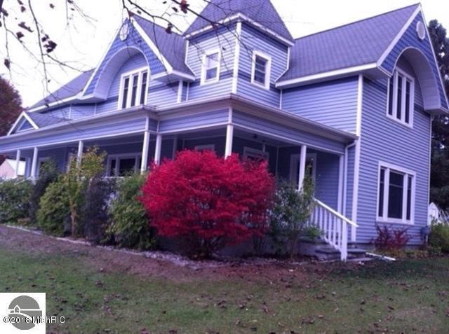 319 3rd Street, Marion, MI 49665 (MLS #18041143) :: Carlson Realtors & Development