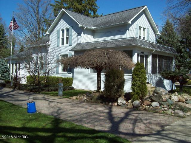 114 E Hamilton Street, Homer, MI 49245 (MLS #18042494) :: Carlson Realtors & Development