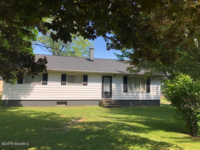 9757 North Avenue, Dowling, MI 49050 (MLS #18044733) :: JH Realty Partners