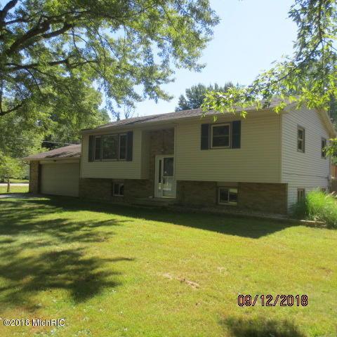 6876 Rosemary Drive, Coloma, MI 49038 (MLS #18045082) :: Carlson Realtors & Development
