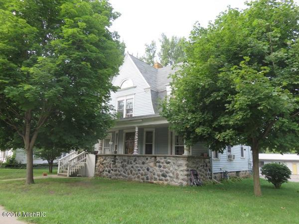 251 Marshall Street, Coldwater, MI 49036 (MLS #18046003) :: Deb Stevenson Group - Greenridge Realty