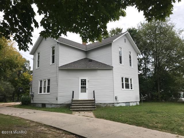 915 Maple Street, Ludington, MI 49431 (MLS #18046367) :: Carlson Realtors & Development