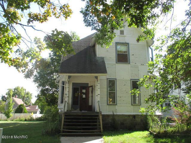 325 E Main Street, Ionia, MI 48846 (MLS #18046702) :: JH Realty Partners