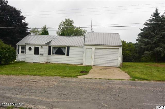 320 W Main Street, North Adams, MI 49262 (MLS #18046799) :: Carlson Realtors & Development