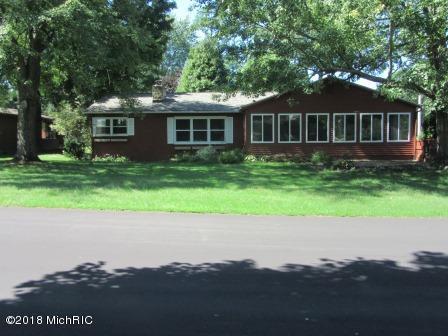 4888 Shore Drive, Coloma, MI 49038 (MLS #18046930) :: Carlson Realtors & Development