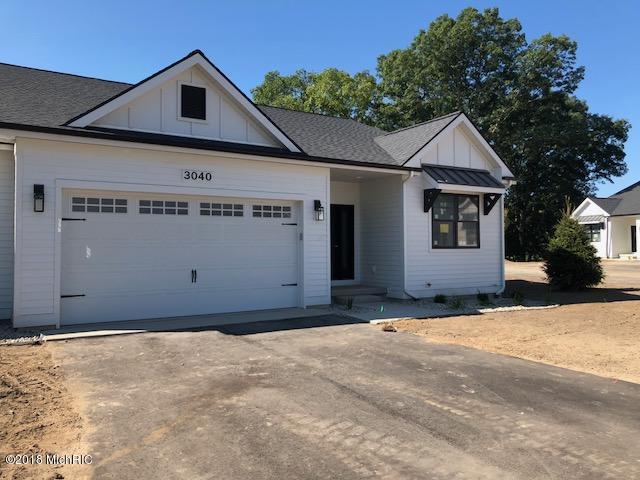 3040 West Bluffs Drive SE #7, Grand Rapids, MI 49546 (MLS #18047004) :: Carlson Realtors & Development