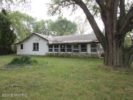 3682 Weechik Road, Sawyer, MI 49125 (MLS #18048498) :: Deb Stevenson Group - Greenridge Realty