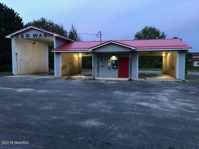 120 S 3 RD Street, Sand Lake, MI 49343 (MLS #18048813) :: Deb Stevenson Group - Greenridge Realty