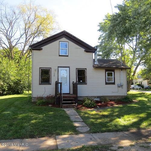 150 Prairie Street, Lyons, MI 48851 (MLS #18048820) :: CENTURY 21 C. Howard
