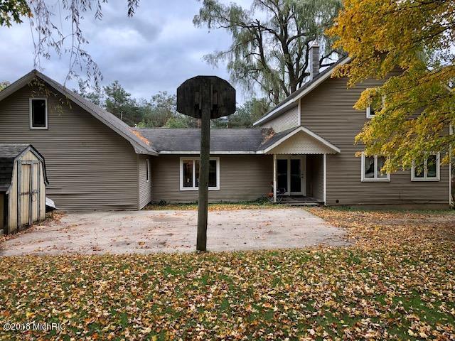 932 N Schoenherr Road, Custer, MI 49405 (MLS #18050516) :: Deb Stevenson Group - Greenridge Realty