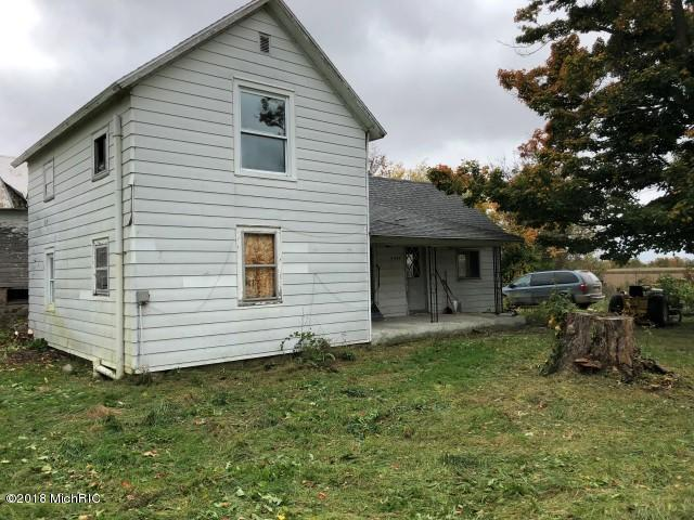 8037 Staines Road, Sheridan, MI 48884 (MLS #18050818) :: CENTURY 21 C. Howard
