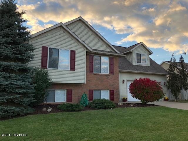9029 Lenter Drive SE, Caledonia, MI 49316 (MLS #18051384) :: Deb Stevenson Group - Greenridge Realty