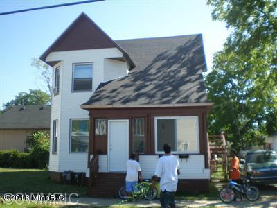 390 Brunson Ave Avenue, Benton Harbor, MI 49022 (MLS #18051430) :: Deb Stevenson Group - Greenridge Realty