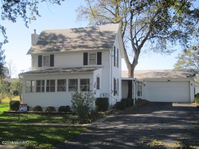 406 S Mulberry Street, Marshall, MI 49068 (MLS #18051527) :: Deb Stevenson Group - Greenridge Realty